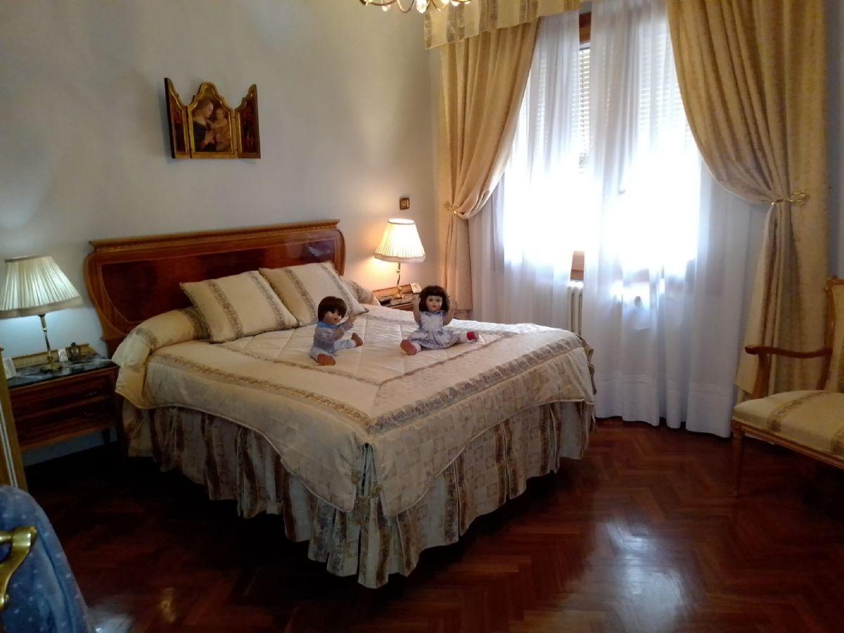 Casa en venta en Casa en Tomelloso, Ciudad Real, 540.000 €, 3 habitaciones, 2 baños, 400 m2