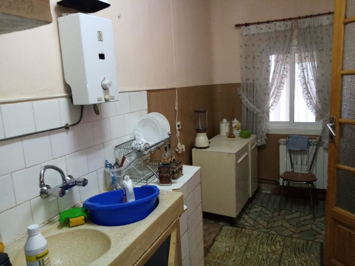 Casa en venta en Casa en Tomelloso, Ciudad Real, 45.000 €, 3 habitaciones, 1 baño, 181 m2