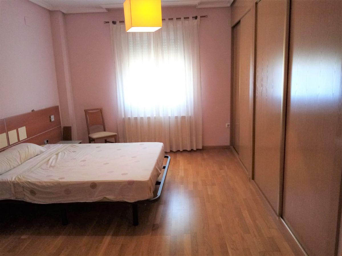 Piso en venta en Piso en Tomelloso, Ciudad Real, 130.000 €, 4 habitaciones, 2 baños, 155 m2, Garaje