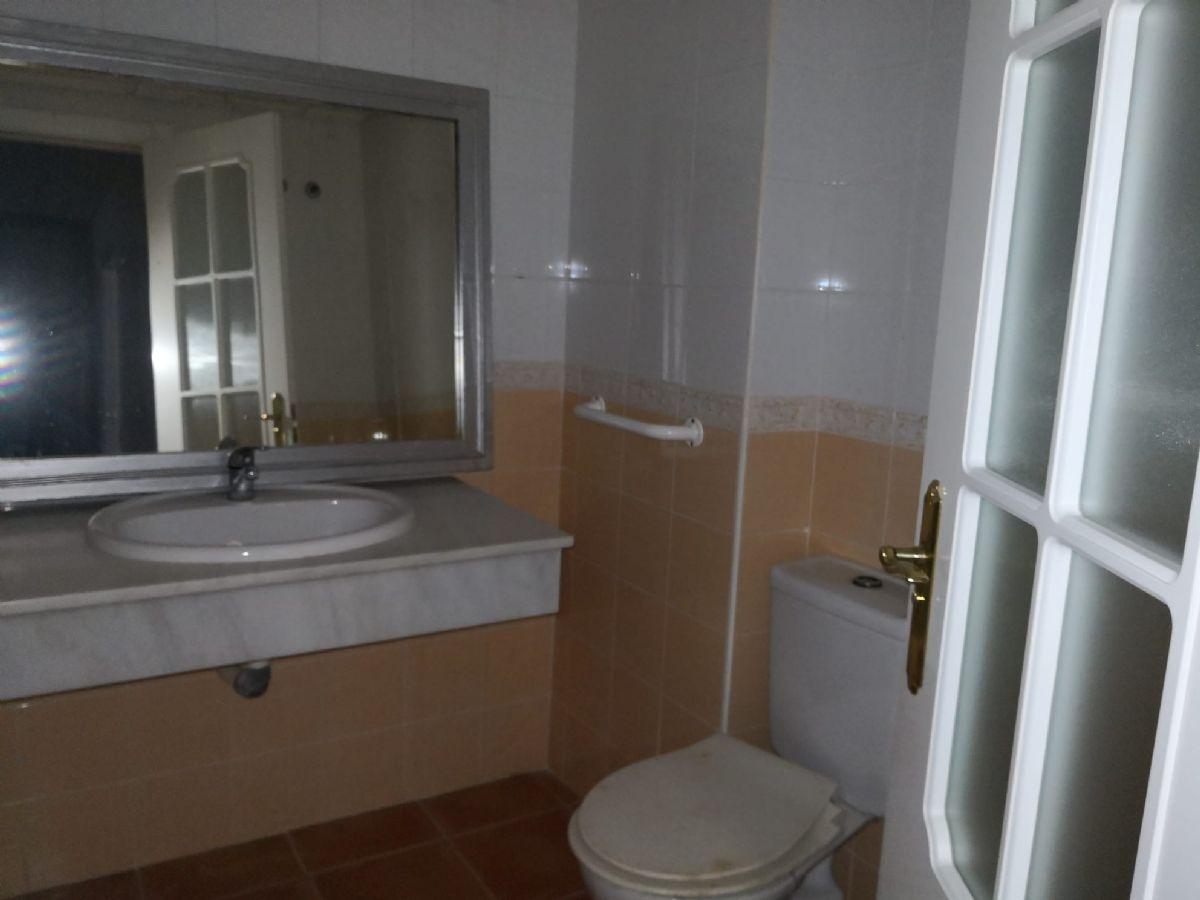 Piso en venta en Piso en Ayamonte, Huelva, 108.000 €, 3 habitaciones, 2 baños, 97 m2