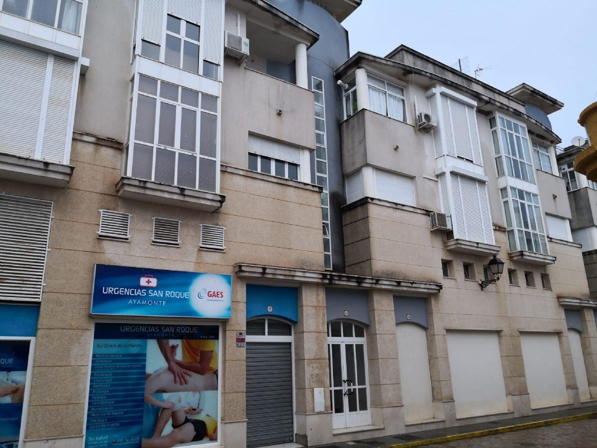 Piso en venta en Ayamonte, Huelva, Calle Jose Perez Barroso, 108.000 €, 3 habitaciones, 2 baños, 97 m2