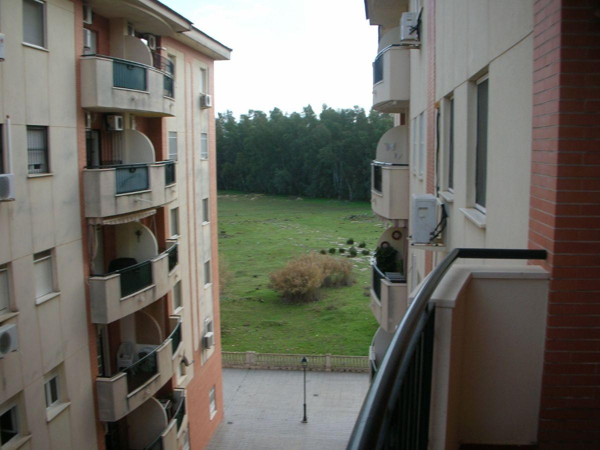 Piso en venta en Piso en Utrera, Sevilla, 100.000 €, 2 habitaciones, 1 baño, 92 m2
