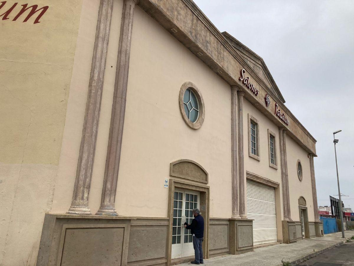 Edificio en venta en Edificio en Vinaròs, Castellón, 750.000 €, 2102 m2