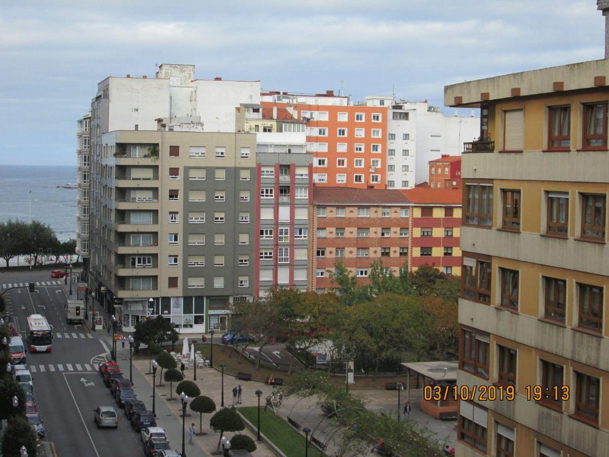 Piso en venta en Gijón, Asturias, Calle Menéndez Pelayo, 250.000 €, 3 habitaciones, 1 baño, 105 m2