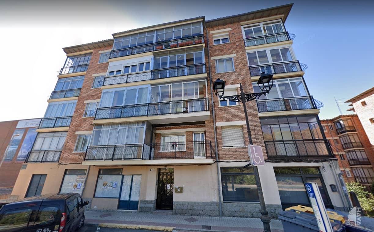 Piso en venta en Ávila, Ávila, Calle Hornos Caleros de Los, 50.000 €, 3 habitaciones, 1 baño, 104 m2