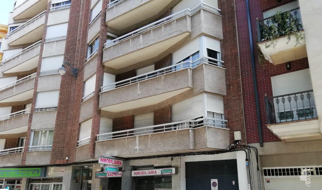 Piso en venta en Piso en León, León, 99.900 €, 3 habitaciones, 2 baños, 111 m2
