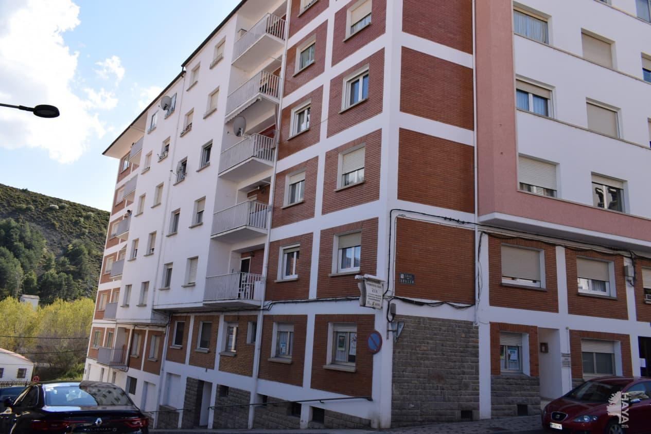 Piso en venta en Sabiñánigo, Huesca, Calle Aragon, 59.700 €, 3 habitaciones, 1 baño, 80 m2