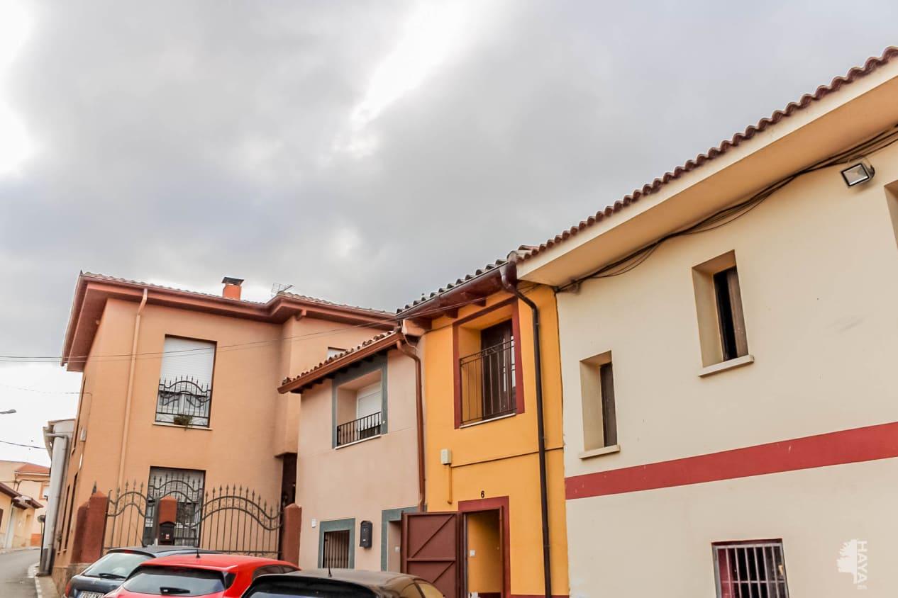 Casa en venta en El Bosque del Henares, Pioz, Guadalajara, Plaza Horno Del, 63.900 €, 2 habitaciones, 2 baños, 92 m2