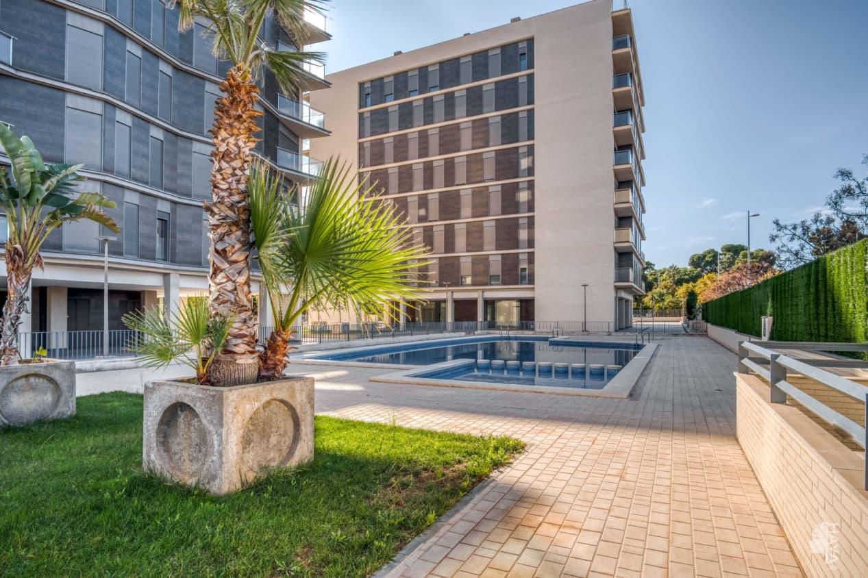 Piso en venta en Grupo Santiago, Castellón de la Plana/castelló de la Plana, Castellón, Calle la Safor, 131.000 €, 2 habitaciones, 2 baños, 132 m2
