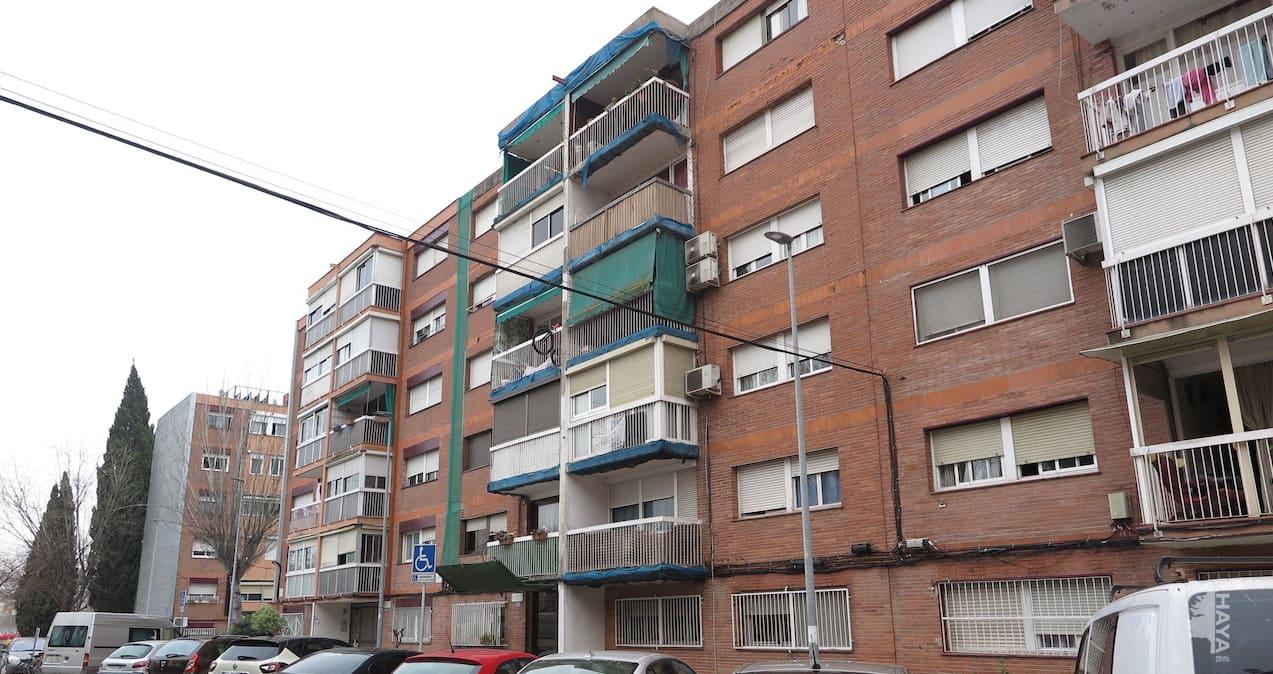 Piso en venta en Santa Perpètua de Mogoda, Barcelona, Calle Berenguer Dentença, 60.700 €, 3 habitaciones, 1 baño, 65 m2