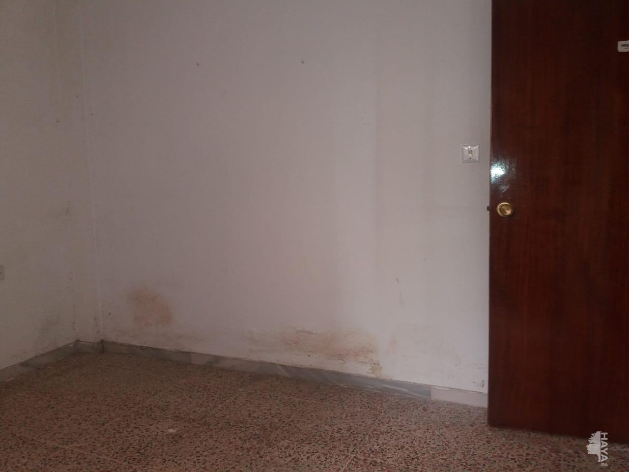 Piso en venta en Piso en Almería, Almería, 61.000 €, 3 habitaciones, 1 baño, 92 m2