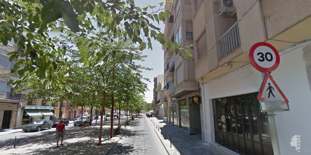 Piso en venta en La Roda, la Roda, Albacete, Avenida Ramon Y Cajal, 64.000 €, 4 habitaciones, 1 baño, 115 m2