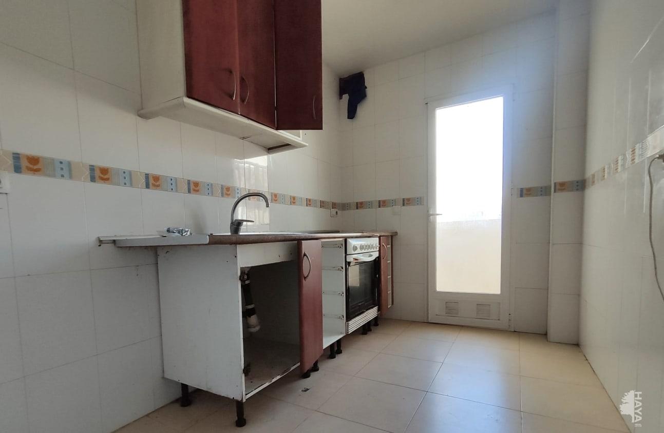 Piso en venta en Piso en Roquetas de Mar, Almería, 59.000 €, 3 habitaciones, 3 baños, 91 m2