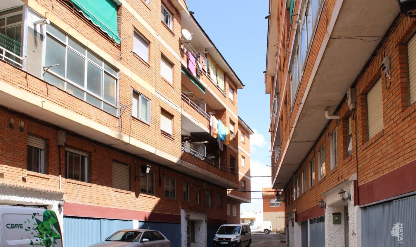 Piso en venta en El Tiemblo, El Tiemblo, Ávila, Calle Mesones, 51.800 €, 3 habitaciones, 1 baño, 95 m2