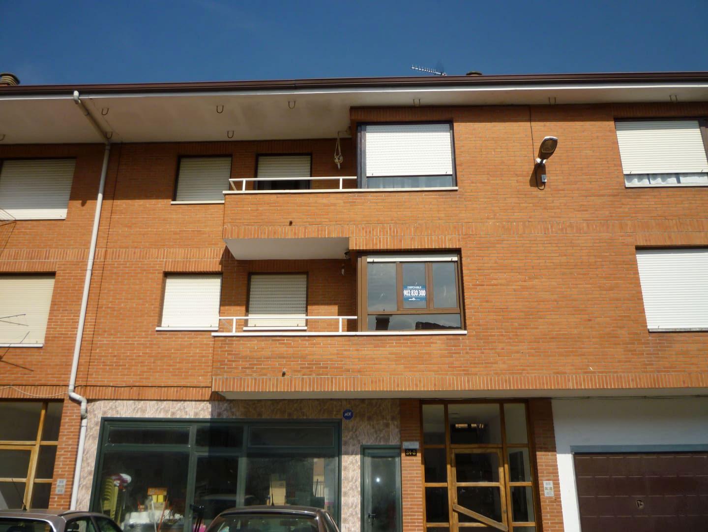 Piso en venta en Ramales de la Victoria, Ramales de la Victoria, Cantabria, Urbanización Gibaja, 61.000 €, 3 habitaciones, 1 baño, 92 m2
