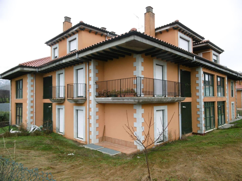 Piso en venta en Piso en Soba, Cantabria, 68.000 €, 3 habitaciones, 2 baños, 97 m2, Garaje