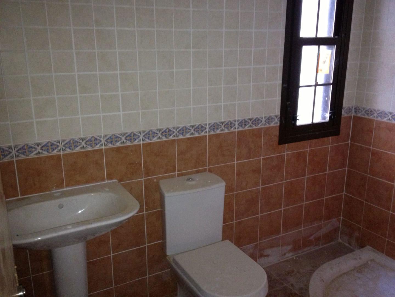 Casa en venta en Casa en la Torre de Esteban Hambrán, Toledo, 120.700 €, 3 habitaciones, 3 baños, 158 m2