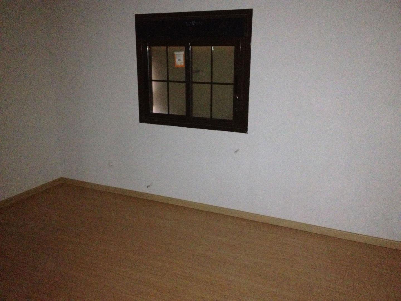 Casa en venta en Casa en la Torre de Esteban Hambrán, Toledo, 123.900 €, 3 habitaciones, 3 baños, 187 m2