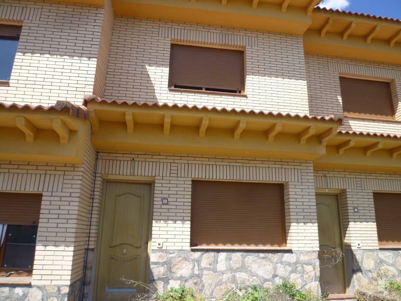 Casa en venta en Calle, la Adrada, Ávila, Calle Partida Extrarradio Picota, 63.000 €, 2 habitaciones, 1 baño, 84 m2