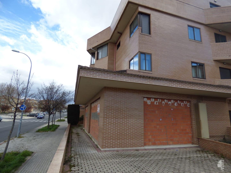 Local en venta en Ávila, Ávila, Calle Cron. Eduardo Ruiz Ayucar, 145.000 €, 183 m2
