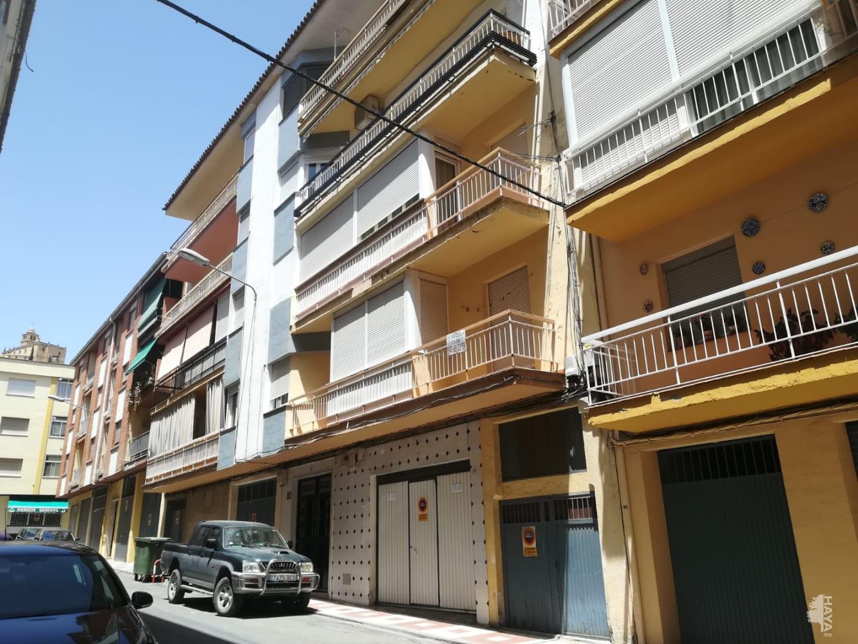 Piso en venta en Barrio de la Cruces, Alcalá la Real, Jaén, Calle Aben Zayde, 60.000 €, 3 habitaciones, 104 m2
