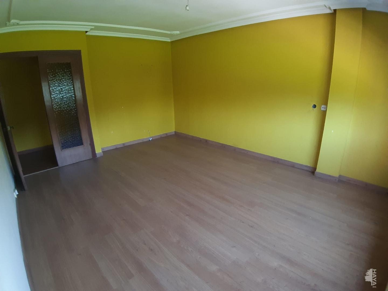 Piso en venta en Blimea, San Martín del Rey Aurelio, Asturias, Avenida de la Libertad, 51.000 €, 3 habitaciones, 1 baño, 117 m2