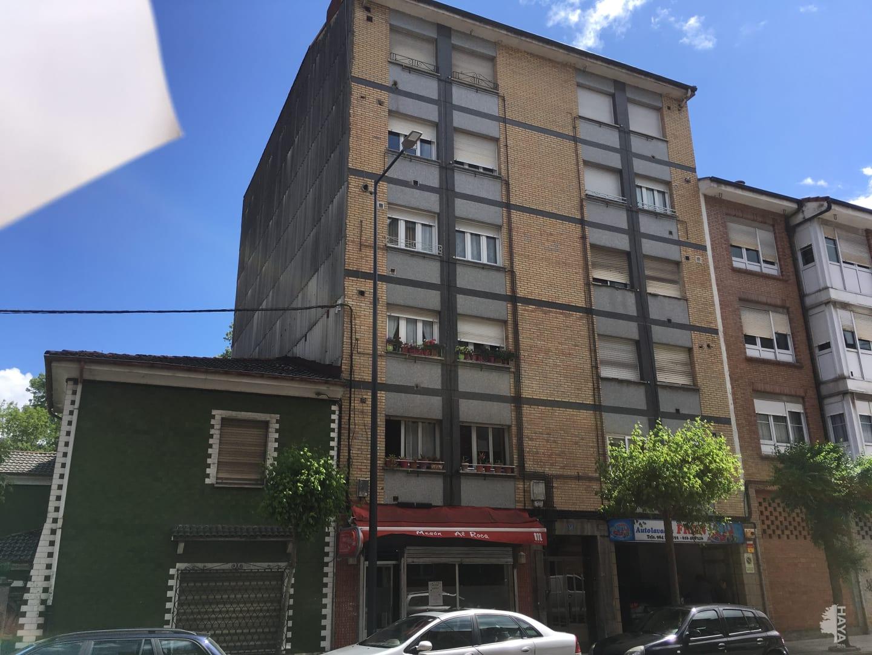Piso en venta en Lugo de Llanera, Llanera, Asturias, Avenida Prudencio Gonzalez, 61.000 €, 3 habitaciones, 1 baño, 80 m2