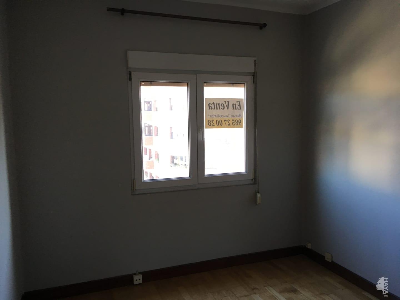 Piso en venta en Piso en Oviedo, Asturias, 56.000 €, 3 habitaciones, 1 baño, 101 m2