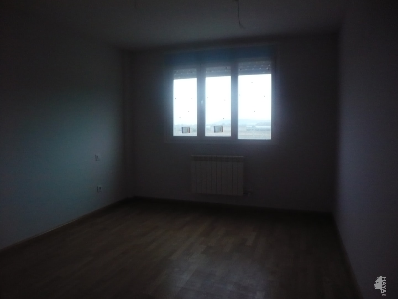 Piso en venta en Piso en Agoncillo, La Rioja, 60.000 €, 3 habitaciones, 2 baños, 88 m2