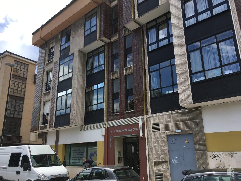 Piso en venta en Lugo de Llanera, Llanera, Asturias, Avenida Carrion, 88.000 €, 4 habitaciones, 2 baños, 113 m2