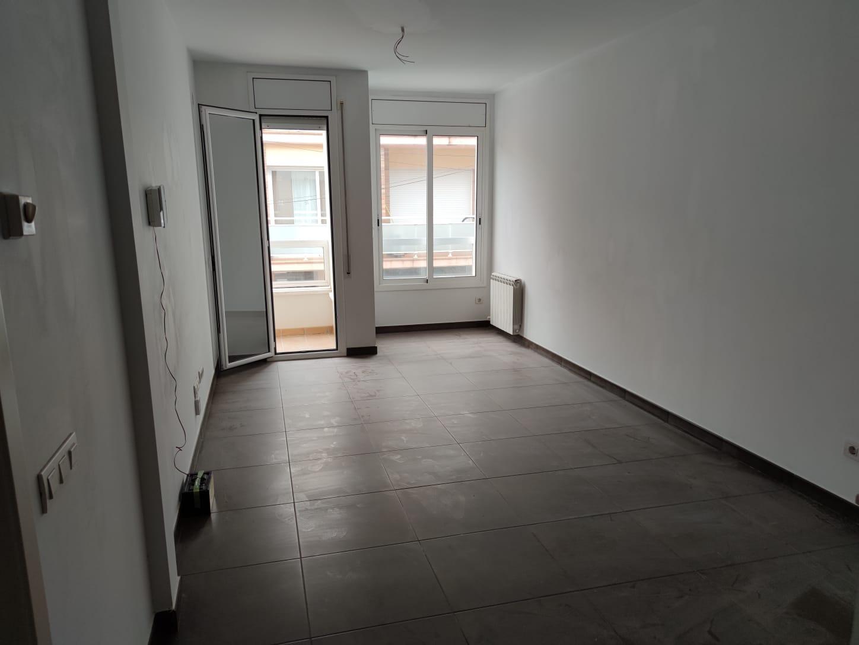 Piso en venta en Piso en Cubelles, Barcelona, 158.000 €, 2 habitaciones, 1 baño, 70 m2, Garaje