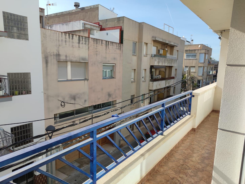 Piso en venta en Piso en Cubelles, Barcelona, 235.000 €, 4 habitaciones, 2 baños, 126 m2