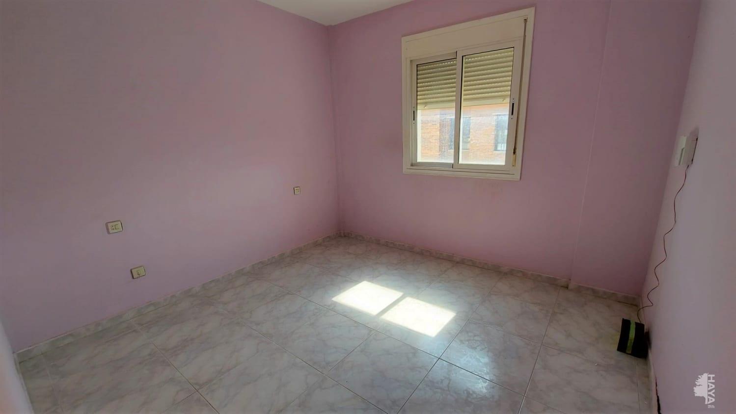 Piso en venta en Piso en Vícar, Almería, 65.000 €, 3 habitaciones, 2 baños, 134 m2