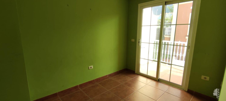 Casa en venta en Casa en Santa Úrsula, Santa Cruz de Tenerife, 287.000 €, 3 habitaciones, 2 baños, 182 m2