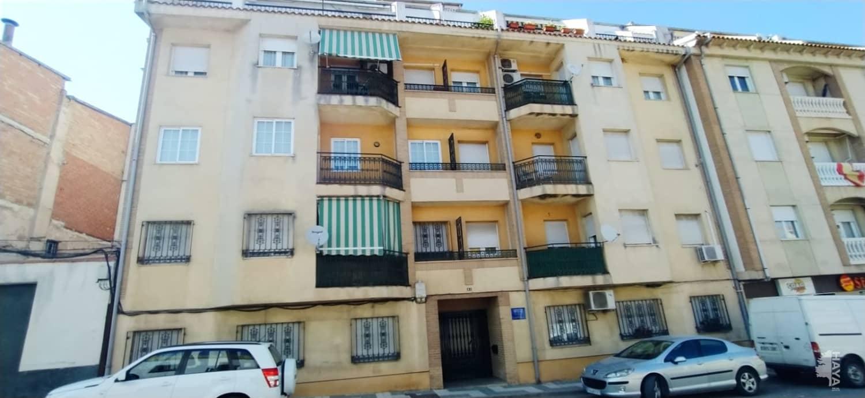 Piso en venta en Villanueva del Arzobispo, Jaén, Avenida Valencia, 71.600 €, 3 habitaciones, 1 baño, 105 m2
