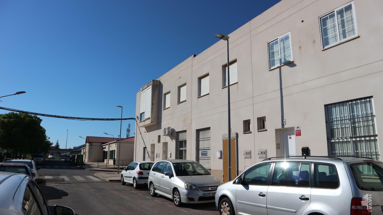 Casa en venta en Barriada Minera, Cáceres, Cáceres, Calle Hervas, 63.693 €, 5 habitaciones, 1 baño, 104 m2