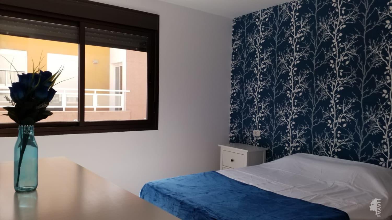 Piso en venta en Piso en Arona, Santa Cruz de Tenerife, 110.000 €, 2 habitaciones, 1 baño, 79 m2