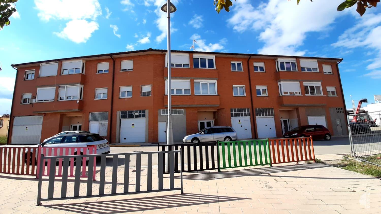 Piso en venta en Marcilla, Navarra, Calle Francisco Navarro Villoslada, 117.000 €, 2 habitaciones, 2 baños, 86 m2