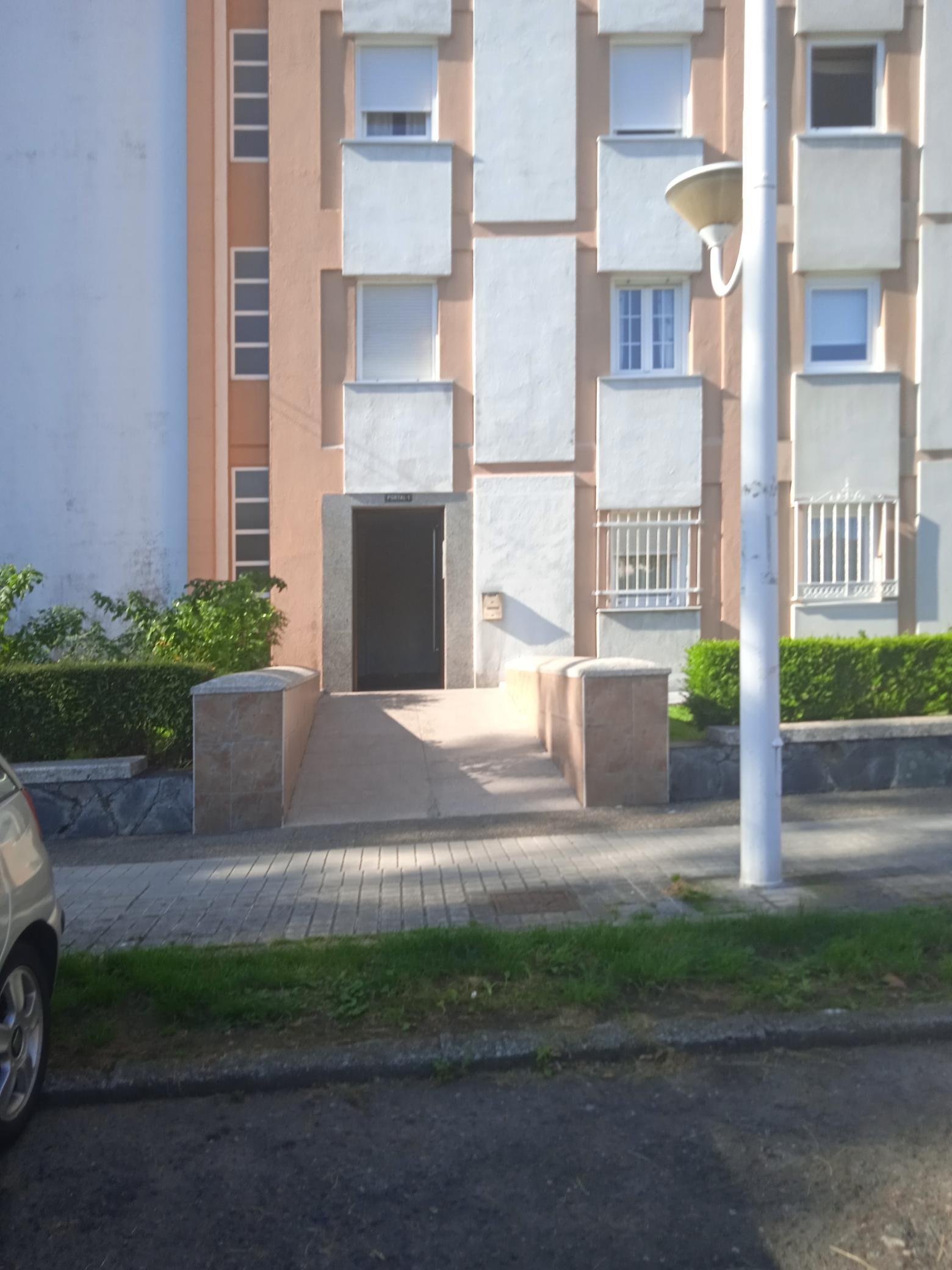 Piso en venta en Parque Ofimático, A Coruña, A Coruña, Calle Polígono Elviña, 133.000 €, 3 habitaciones, 2 baños, 102 m2