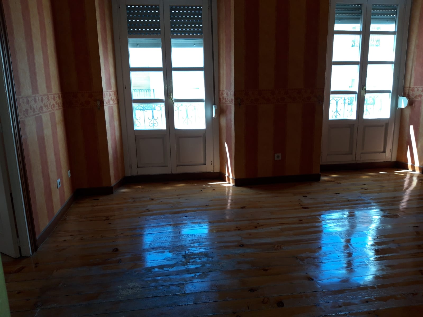 Piso en venta en Zabalgunea/ensanche, Vitoria-gasteiz, Álava, Calle Postas, 240.000 €, 3 habitaciones, 1 baño, 114,4 m2