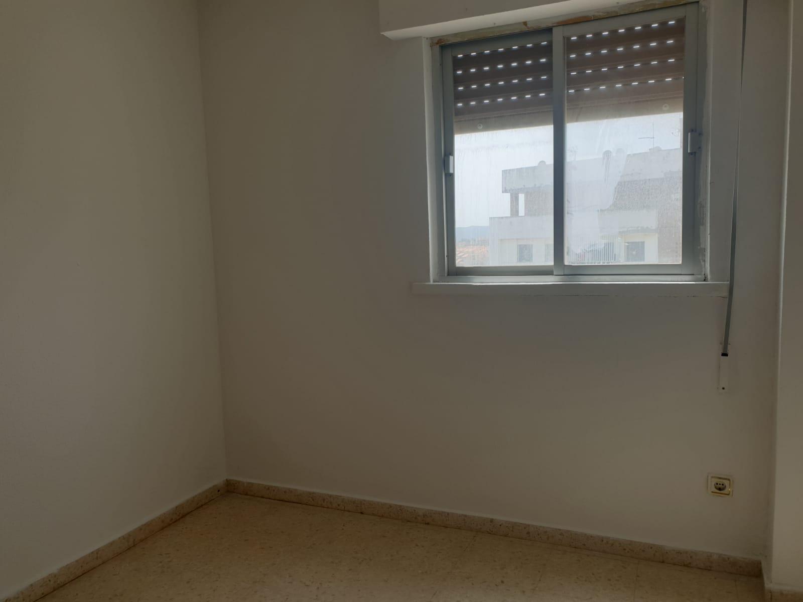 Piso en venta en Piso en Algeciras, Cádiz, 45.000 €, 2 habitaciones, 1 baño, 75 m2