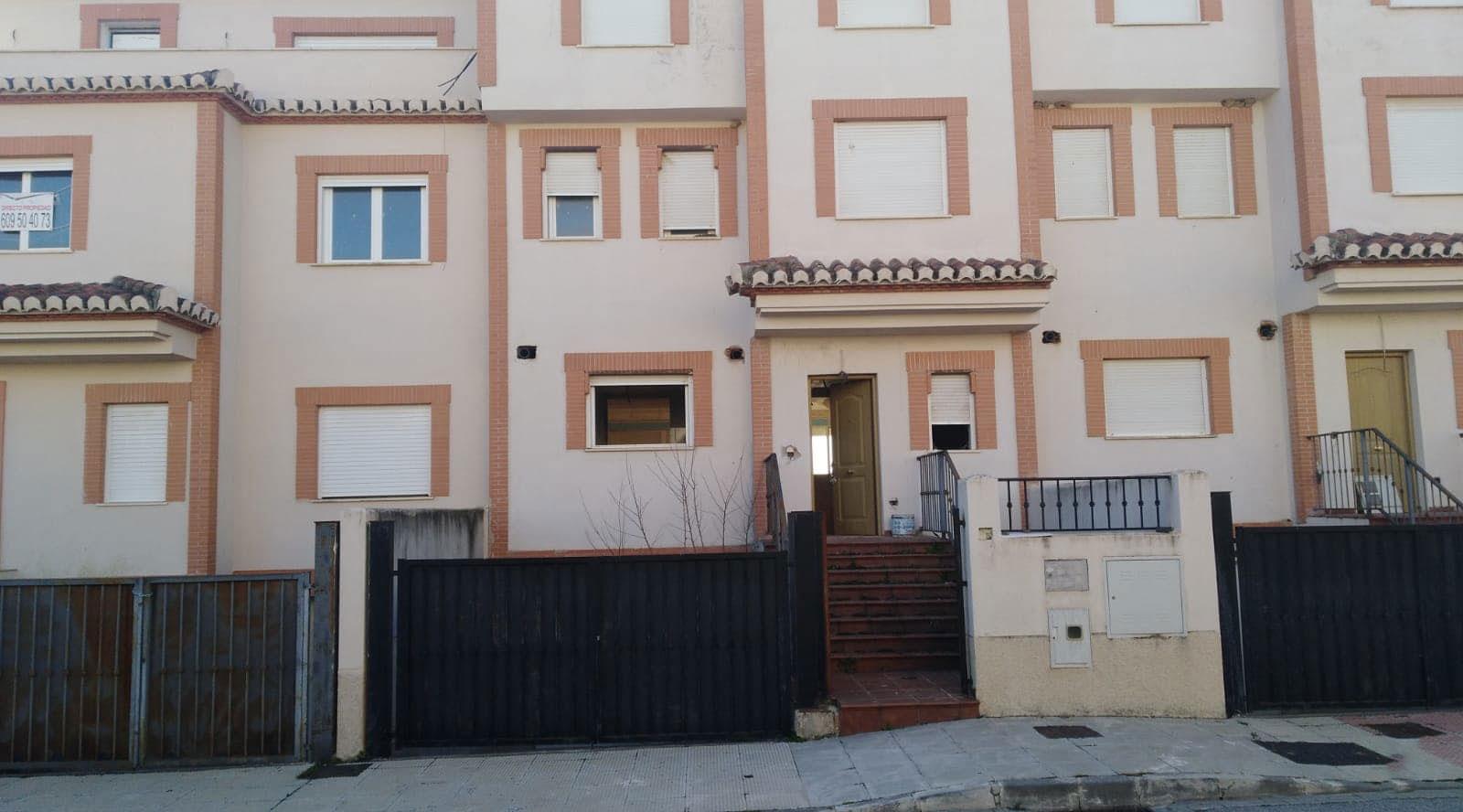 Casa en venta en Urbanización Señorío del Cubillas, Atarfe, Granada, Calle Ernesto Sabato, 208.900 €, 5 habitaciones, 3 baños, 526 m2