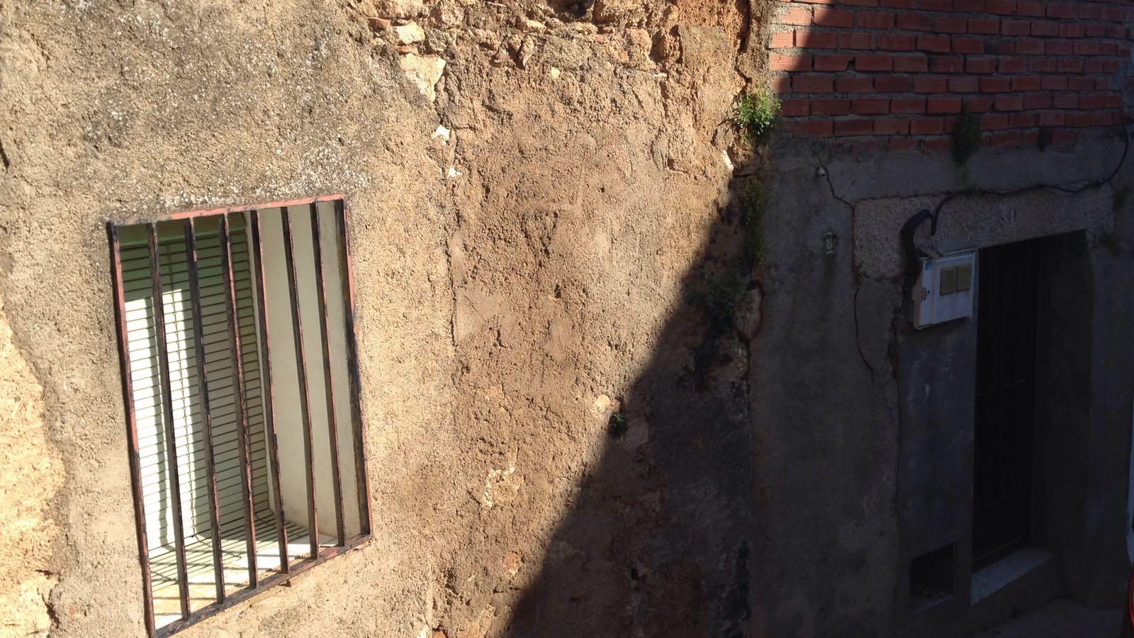Piso en venta en Piso en Valdeverdeja, Toledo, 52.000 €, 2 habitaciones, 2 baños, 100 m2