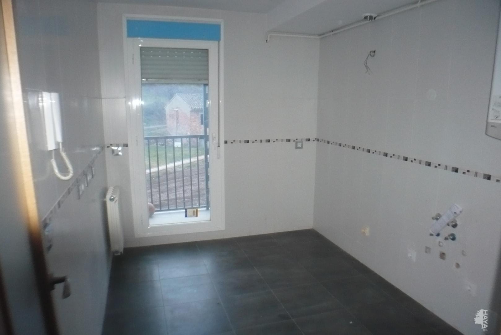 Piso en venta en Piso en Agoncillo, La Rioja, 52.000 €, 2 habitaciones, 1 baño, 62 m2
