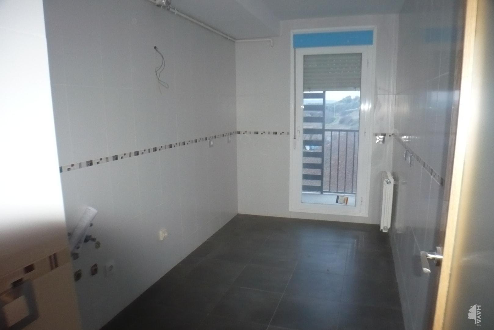 Piso en venta en Piso en Agoncillo, La Rioja, 50.000 €, 2 habitaciones, 1 baño, 60 m2