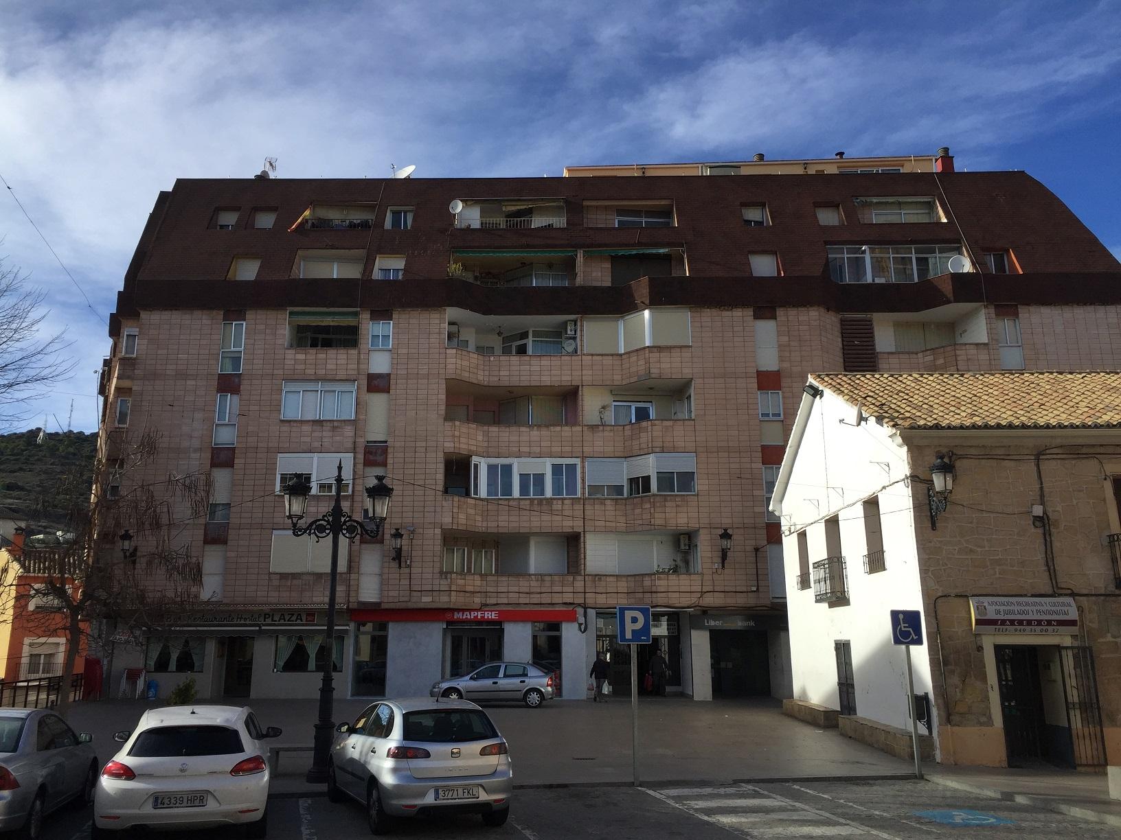Piso en venta en Sacedón, Guadalajara, Plaza de la Constitucion, 46.000 €, 3 habitaciones, 1 baño, 80 m2