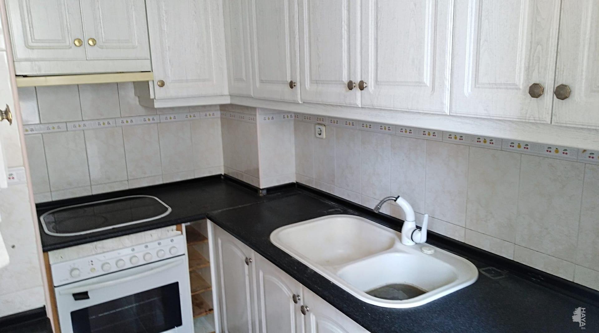 Piso en venta en Piso en Jaén, Jaén, 81.000 €, 2 habitaciones, 1 baño, 64 m2