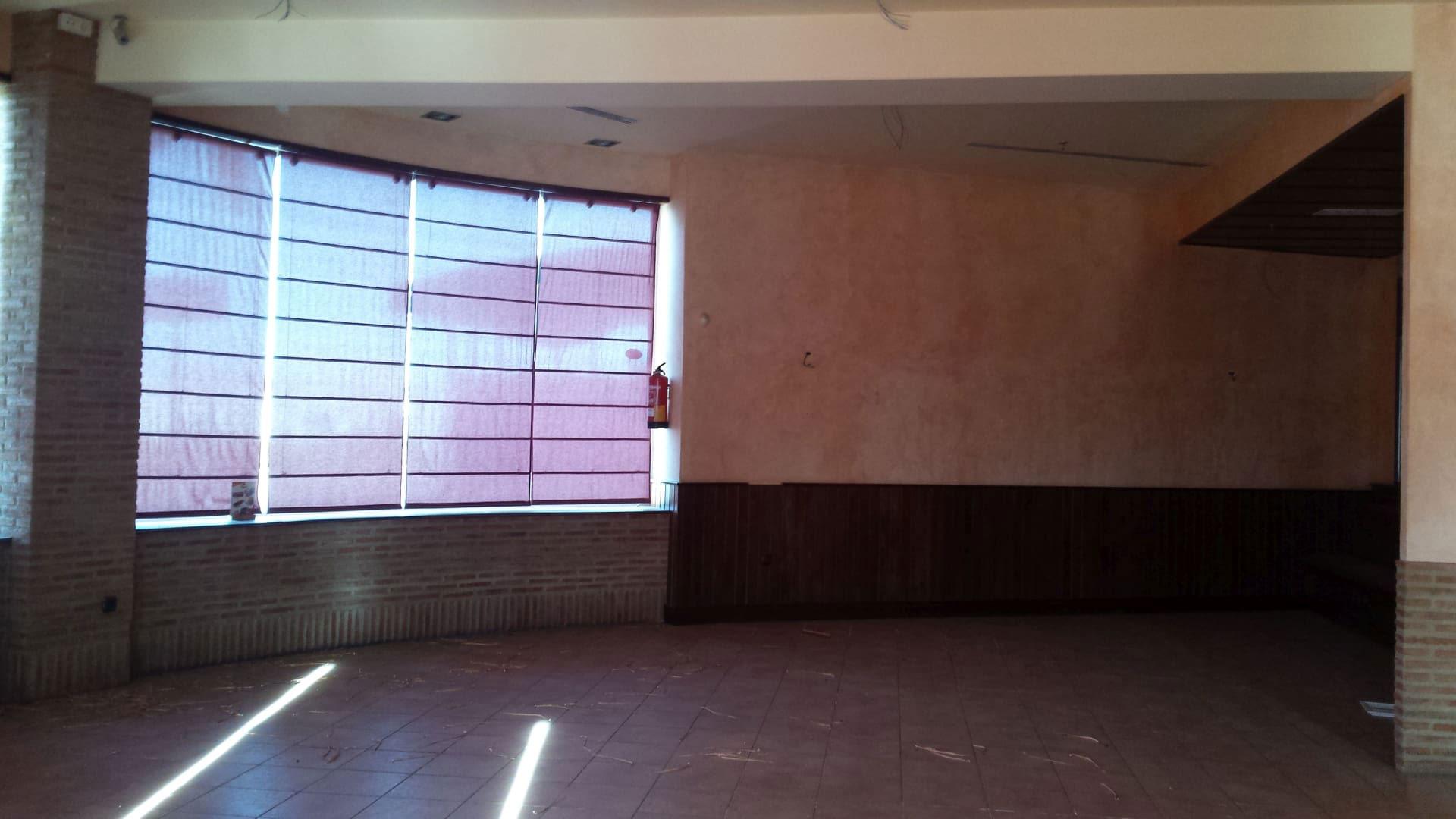 Local en venta en Local en Don Benito, Badajoz, 176.299 €, 312 m2