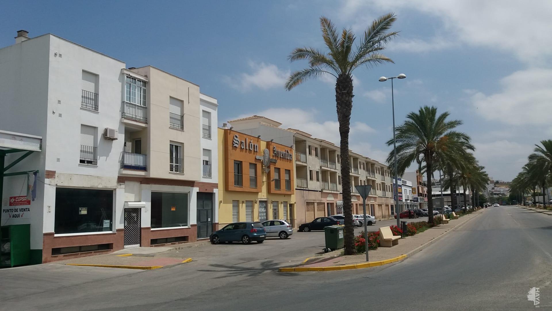 Piso en venta en Villamartín, Cádiz, Avenida de Arcos, 48.000 €, 3 habitaciones, 1 baño, 110 m2