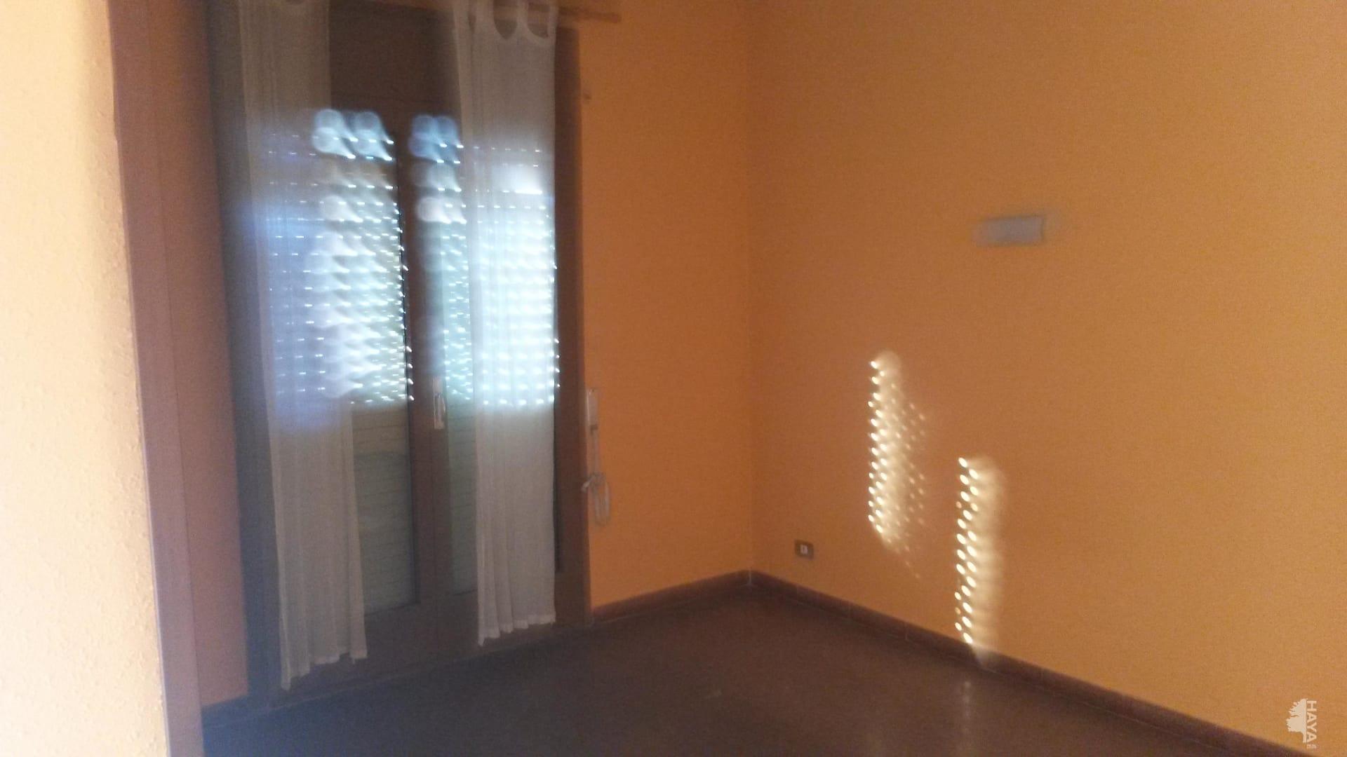 Piso en venta en El Bosc, Monistrol de Calders, Barcelona, Avenida Doctor Tarrés, 99.400 €, 4 habitaciones, 1 baño, 132 m2